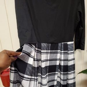 Dresses & Skirts - Swing dress with pockets